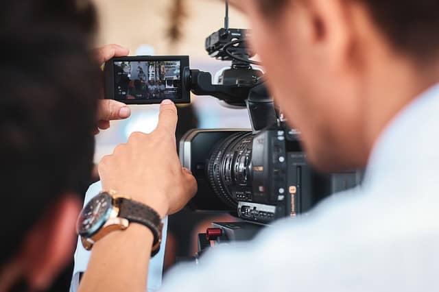 Quiénes trabajan en una productora audiovisual